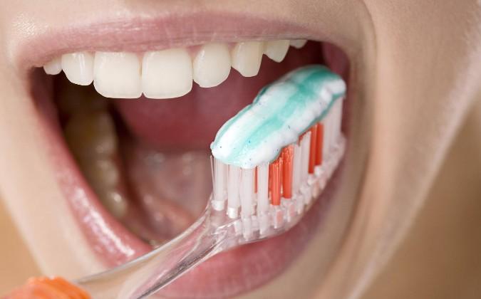 зубная паста при чувствительности